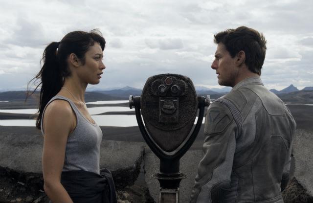 Tom Cruise and Olga Kurylenko in Joseph Kosinski's 'Oblivion' (Universal Pictures)