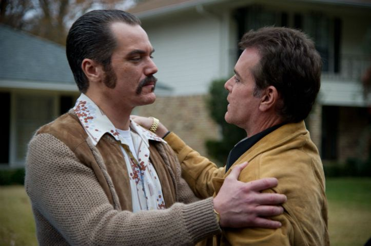 Michael Shannon and Ray Liotta in 'The Iceman' (Millenium Entertainment)