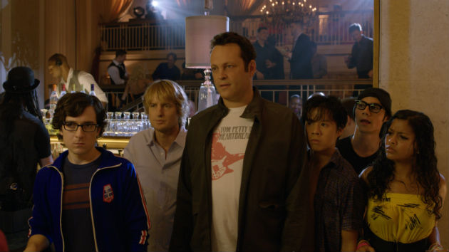 Vince Vaughn, Owen Wilson, and friends in 'The Internship'